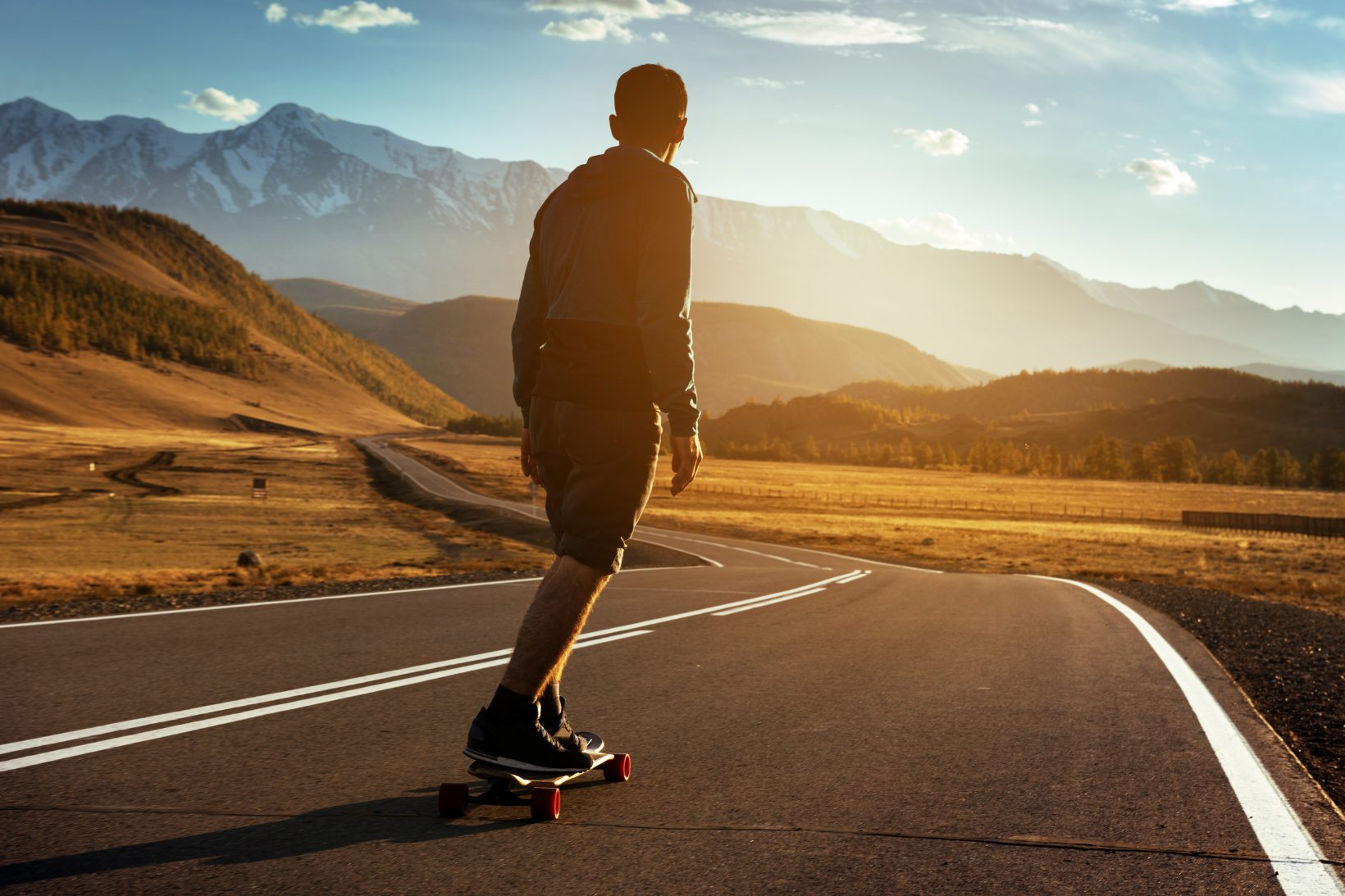 """Chic and sustainable, the bet of the longboard """"made in Switzerland"""""""